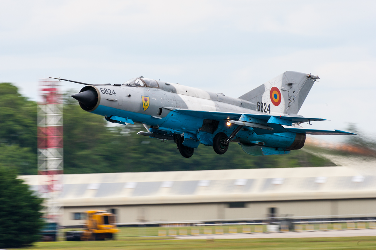 Mikoyan & Gurevich MiG-21 LANCER  -  © by Will Moore