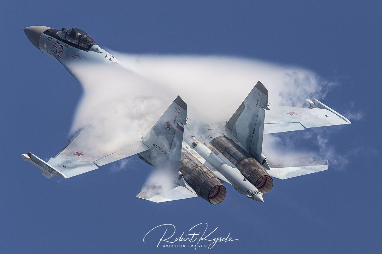 Sukhoi Su-35S (NATO Code: FLANKER E)  -  © by Robert Kysela