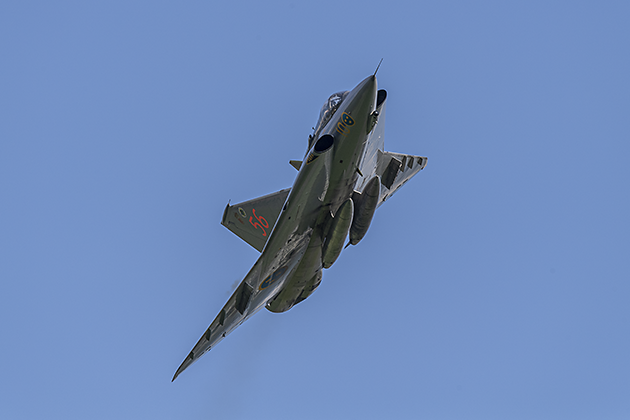 Saab J-35J DRAKEN - © by Robert Kysela