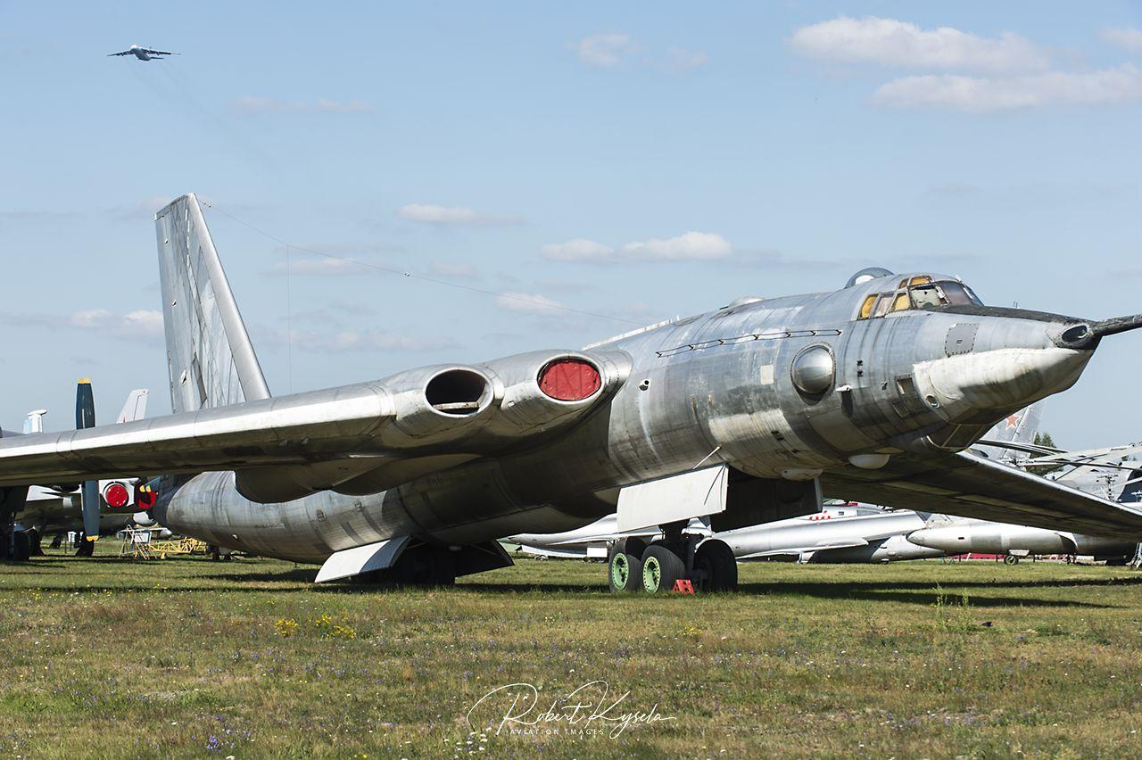 Myasishchev 3M (NATO Code: BISON)   - © by Robert Kysela