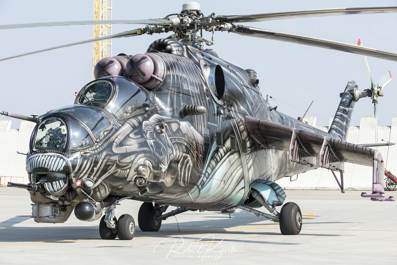 Mil Mi-24V (NATO Code: HIND-E)  -  © by Robert Kysela