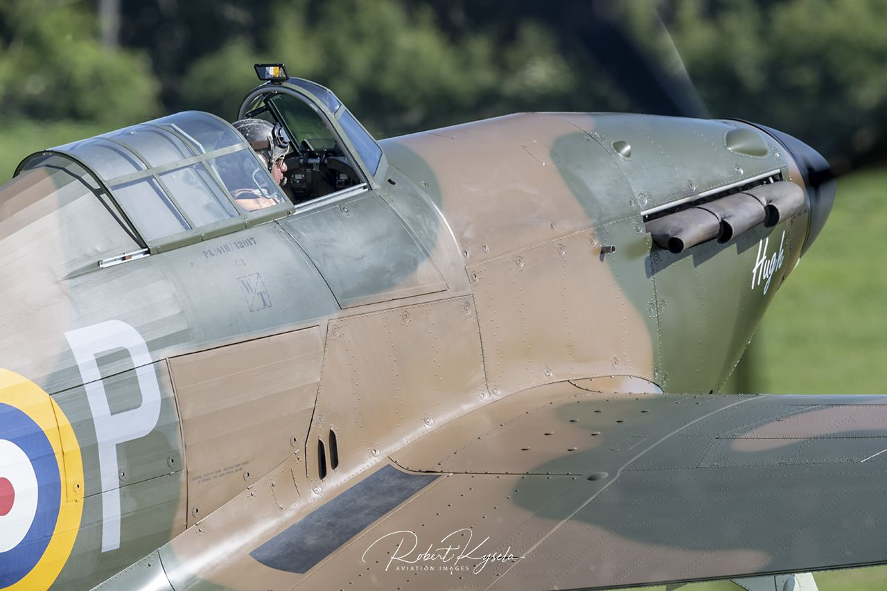 Hawker HURRICANE Mk.Ia   - © by Robert Kysela