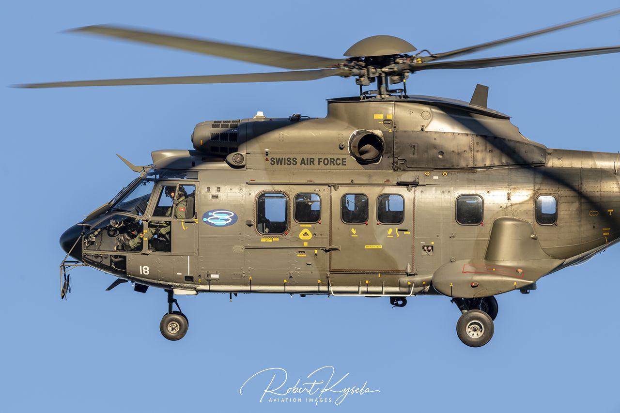Aerospatiale AS 332M1 SUPER PUMA  -  © by Robert Kysela