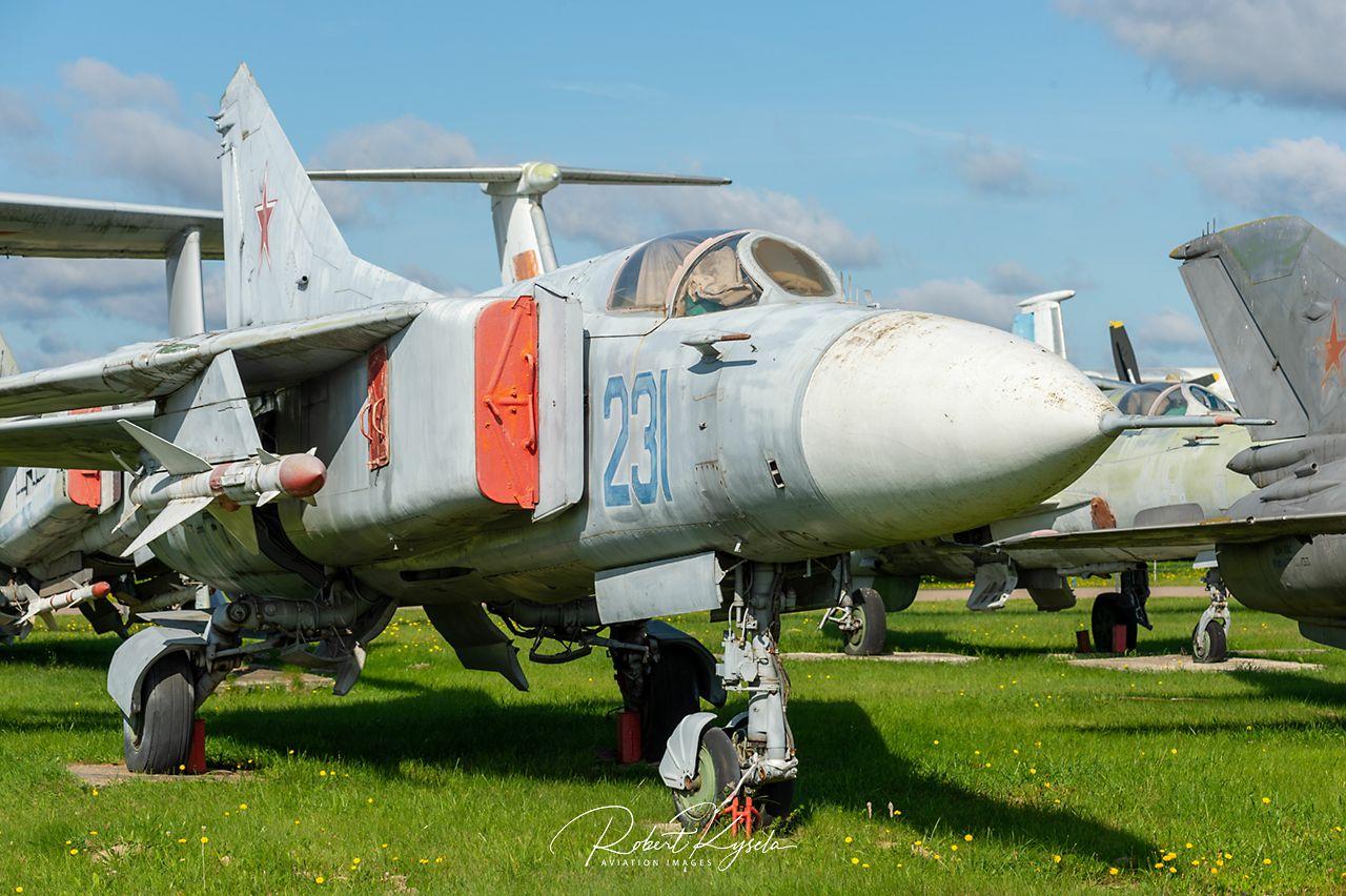Mikoyan & Gurevich MiG-23MF (NATO - Code: FLOGGER)   - © by Robert Kysela