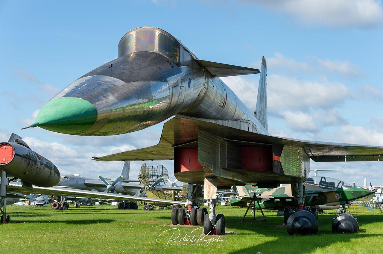 Sukhoi T-4   - © by Robert Kysela