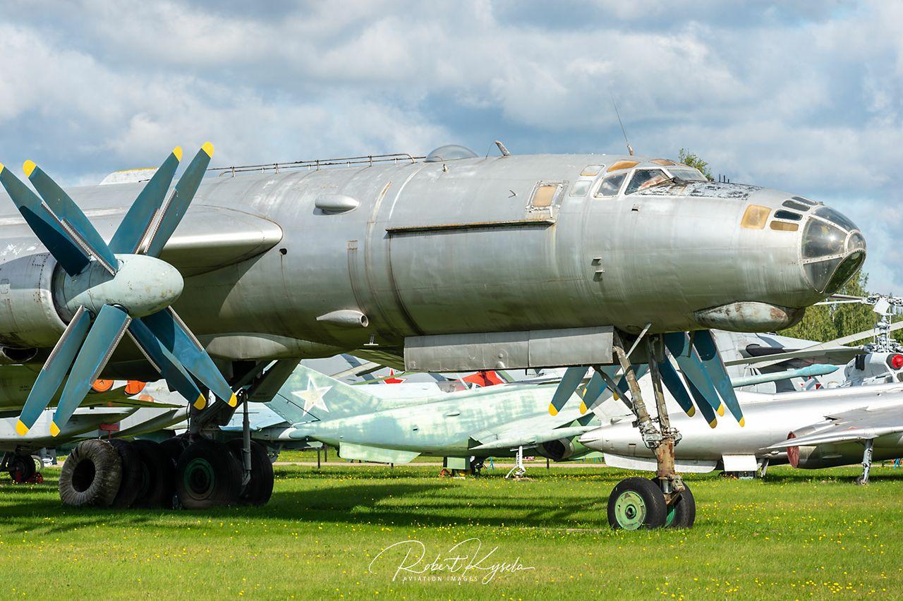 Tupolev Tu-95 (NATO Code: BEAR)   - © by Robert Kysela