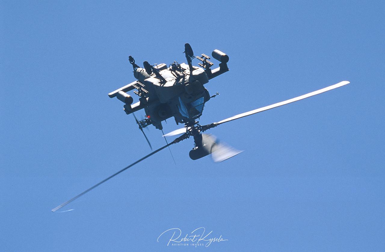 Boeing AH-64 APACHE  -  © by Robert Kysela