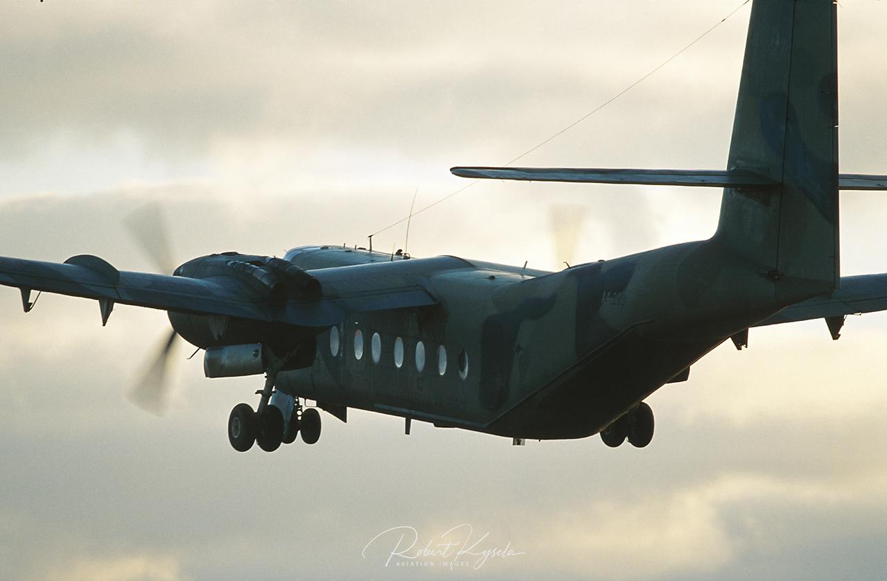 de Havilland Canada DHC-4 CARIBOU  -  © by Robert Kysela