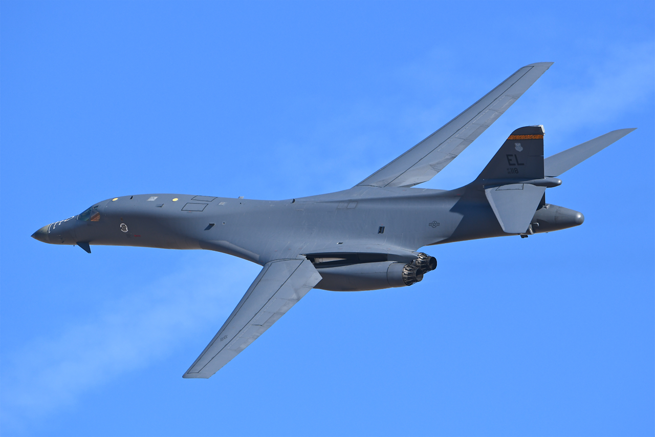 Boeing B-1B LANCER  -  © by Shawn Clish