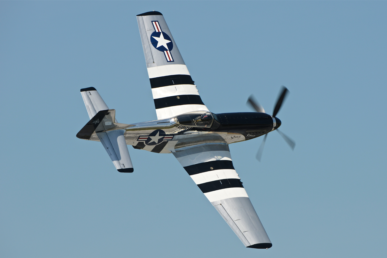 North American P-51D MUSTANG  -  © by Shawn Clish
