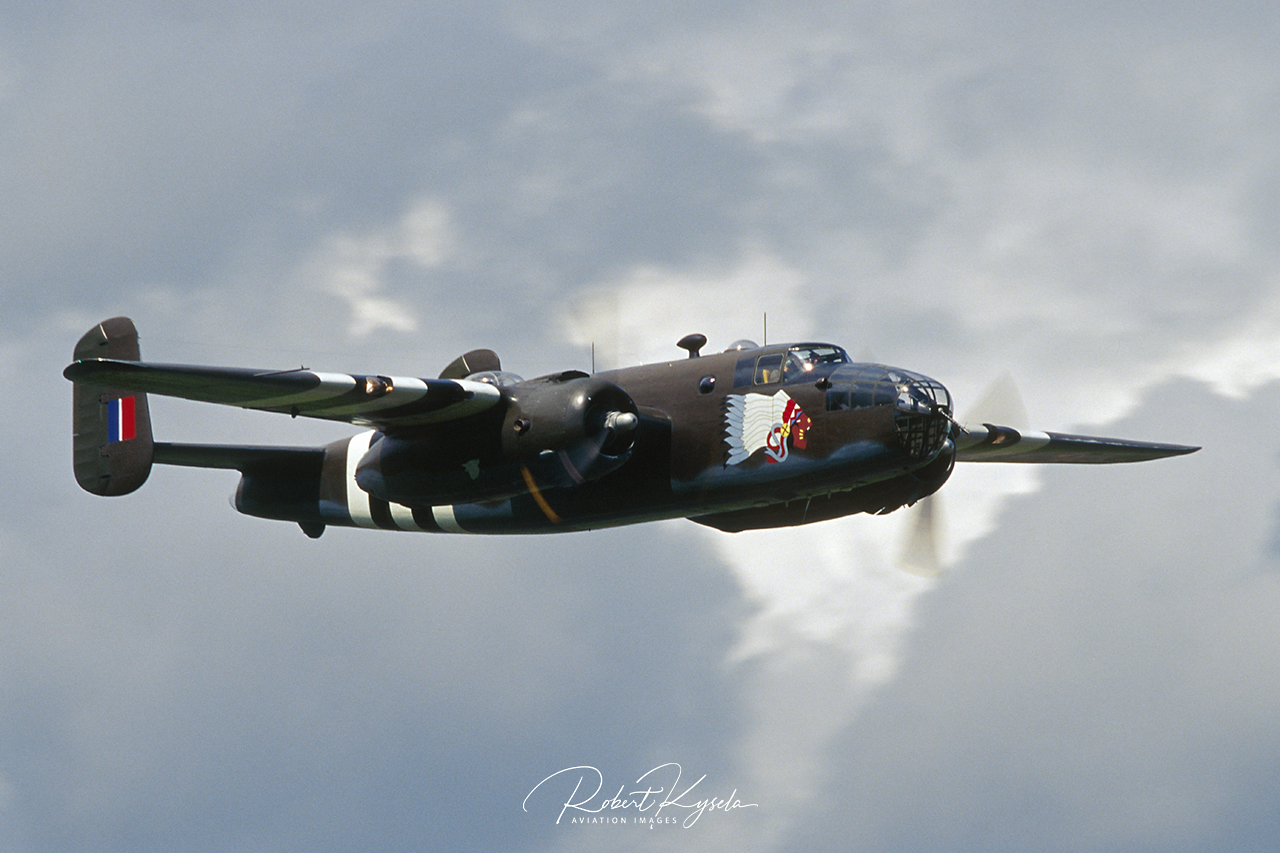 North American B-25D MITCHELL  -  © by Robert Kysela
