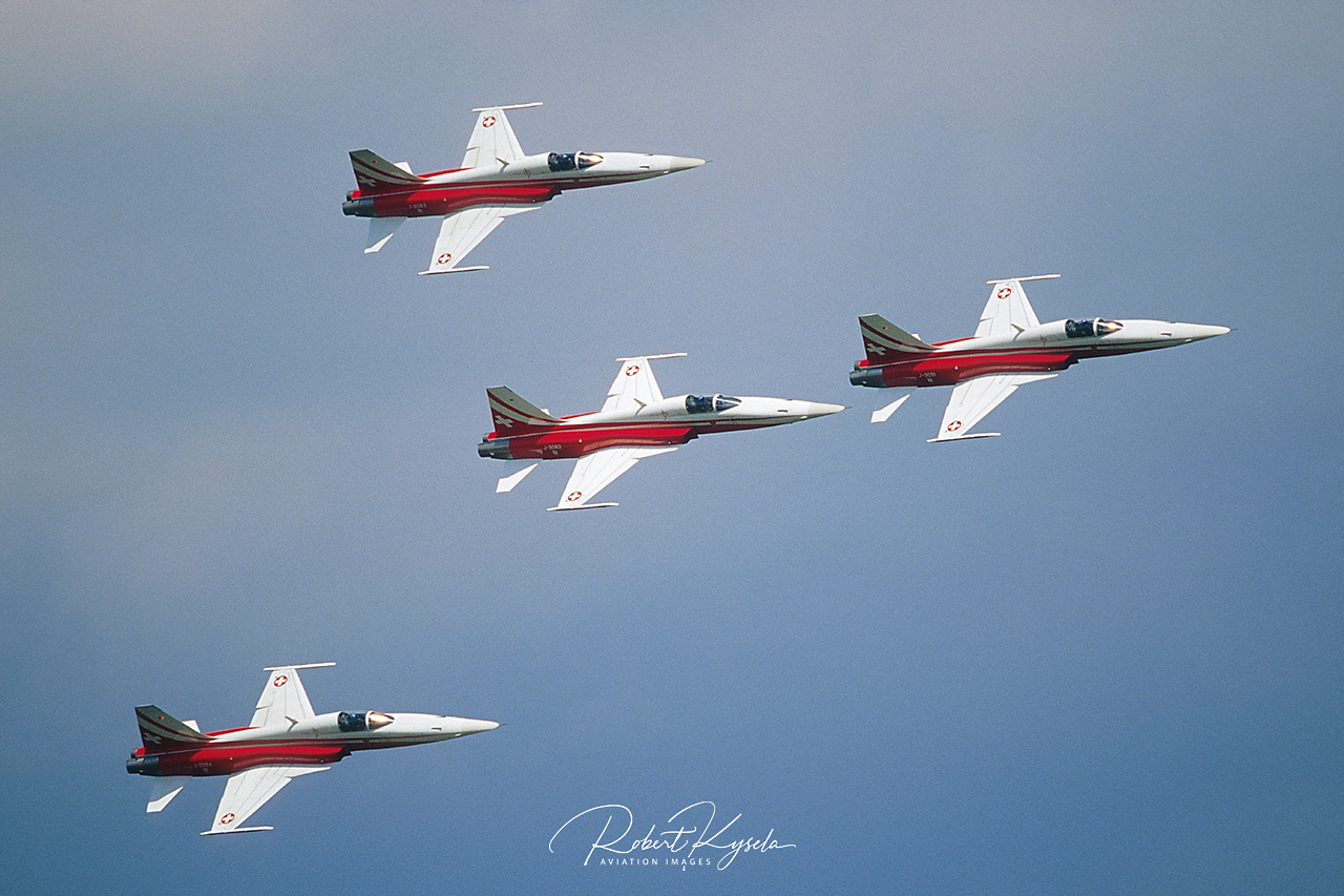 PATROUILLE SUISSE  -  © by Robert Kysela