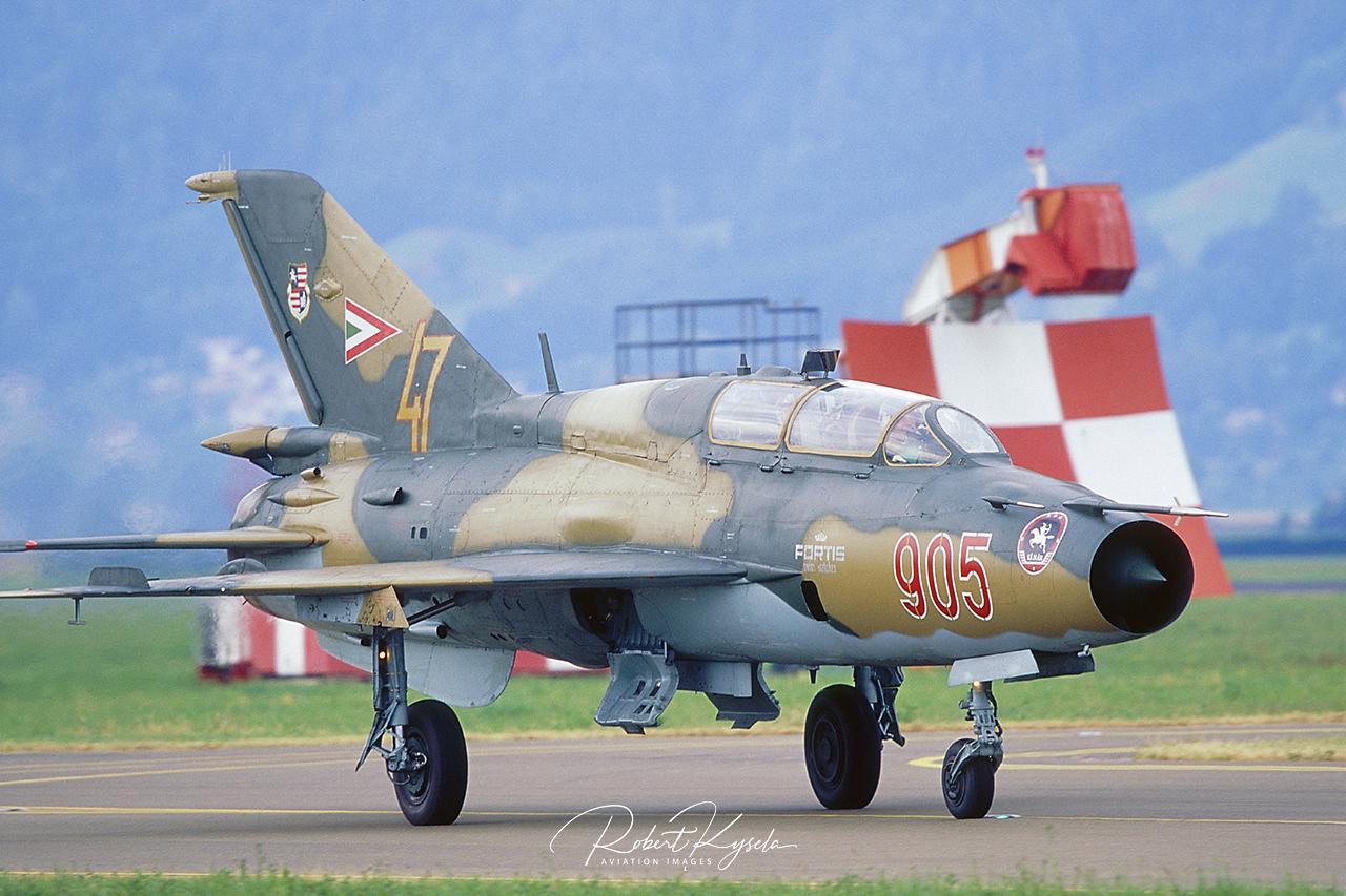 Mikoyan & Gurevich MiG-21UM (NATO Code: MONGOL B)  -  © by Robert Kysela