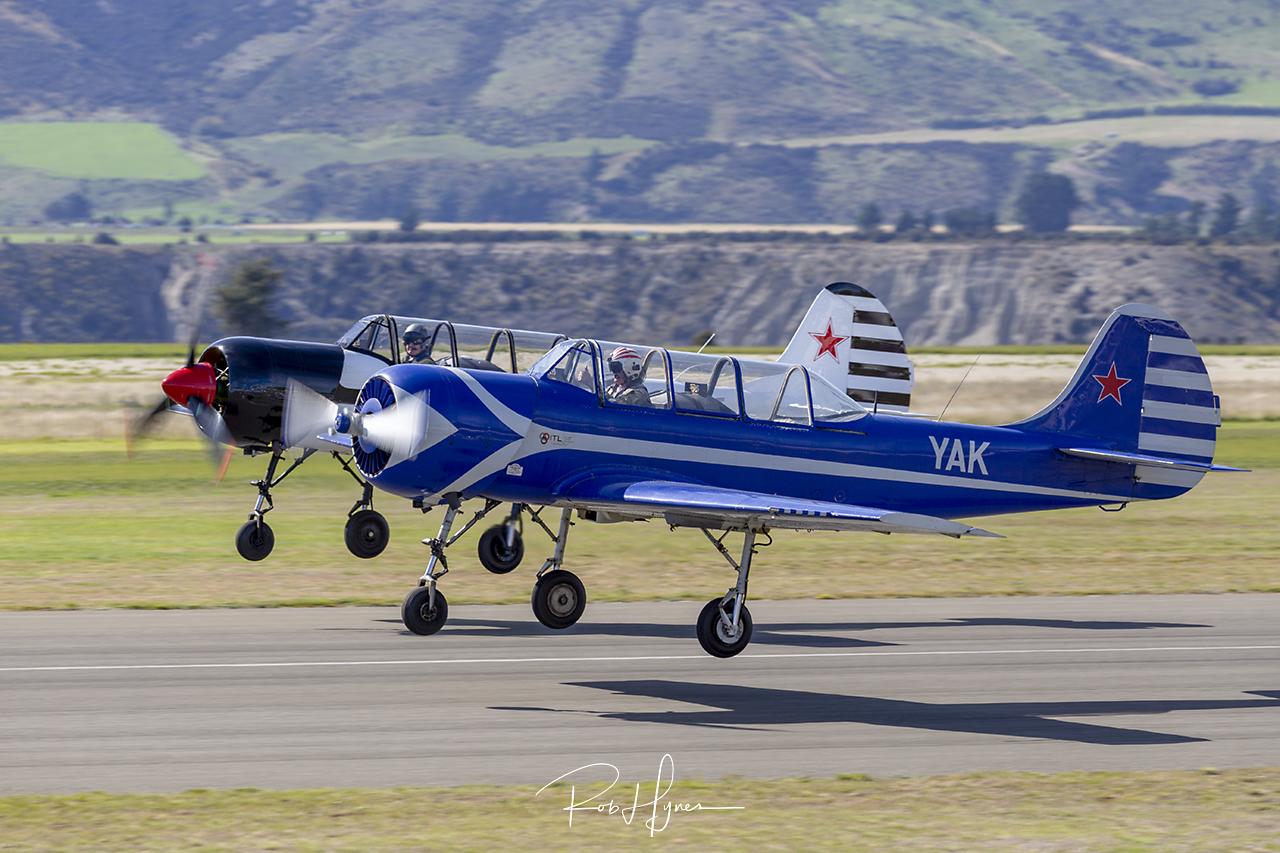 Yakovlev Yak-52   - © by Rob Hynes