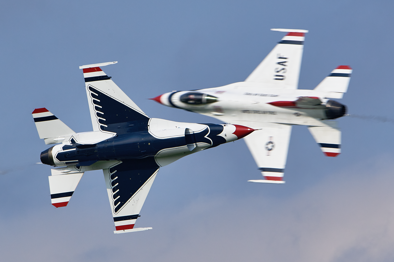 USAF Thunderbirds  -  © by Shawn Clish
