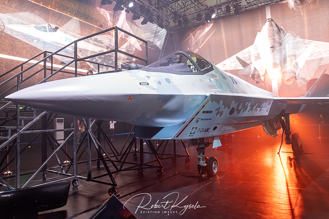 5th Generation Prototype Sukhoi CHECKMATE  -  © by Robert Kysela