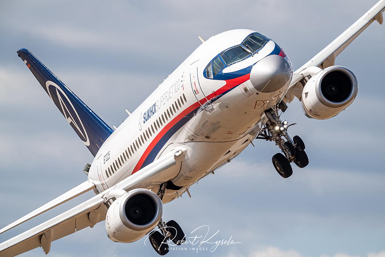 Sukhoi SUPERJET SSJ100 -  © by Robert Kysela